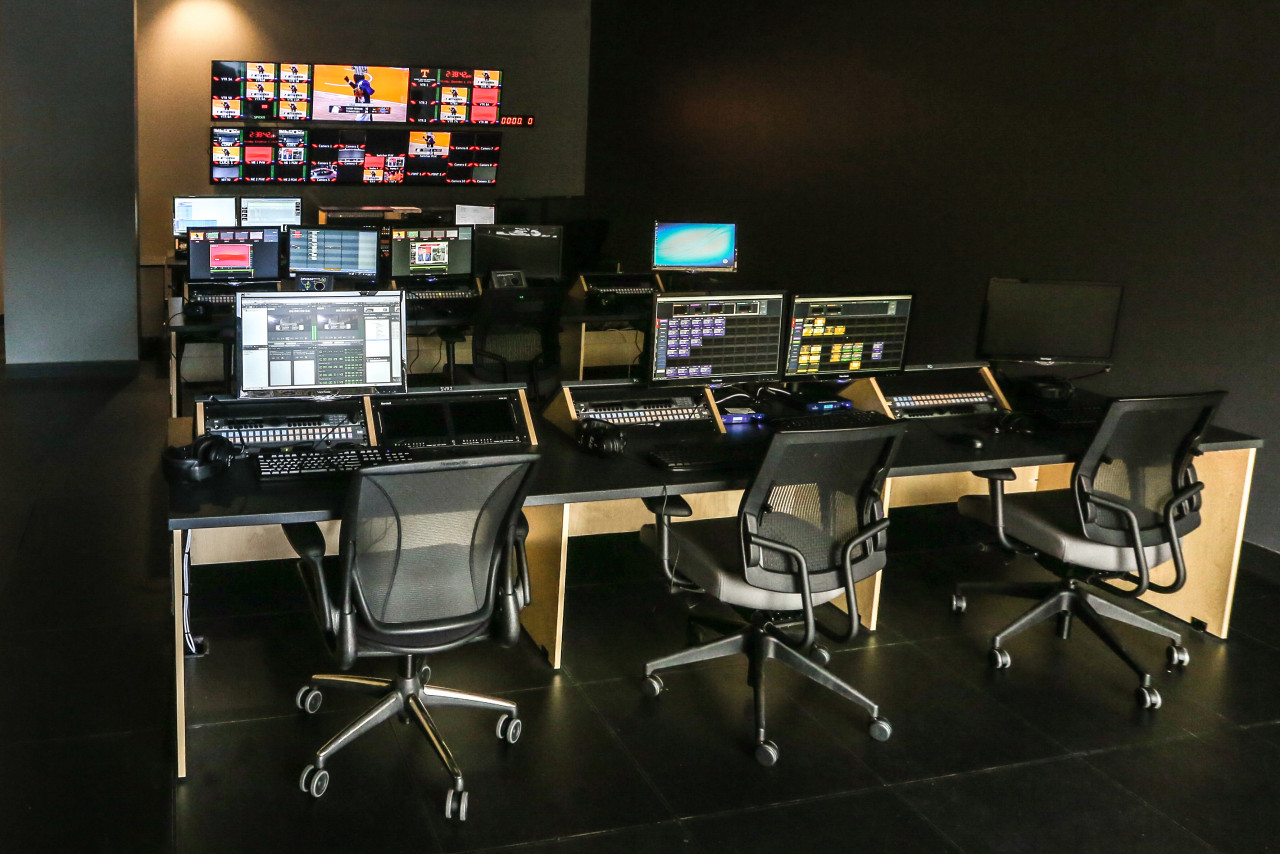 KNOXVILLE,TN - DECEMBER 1, 2014 - Facility photos of the control room in the Ray and Lucy Hand Digital Studio. Photo By Donald Page/Tennessee Athletics