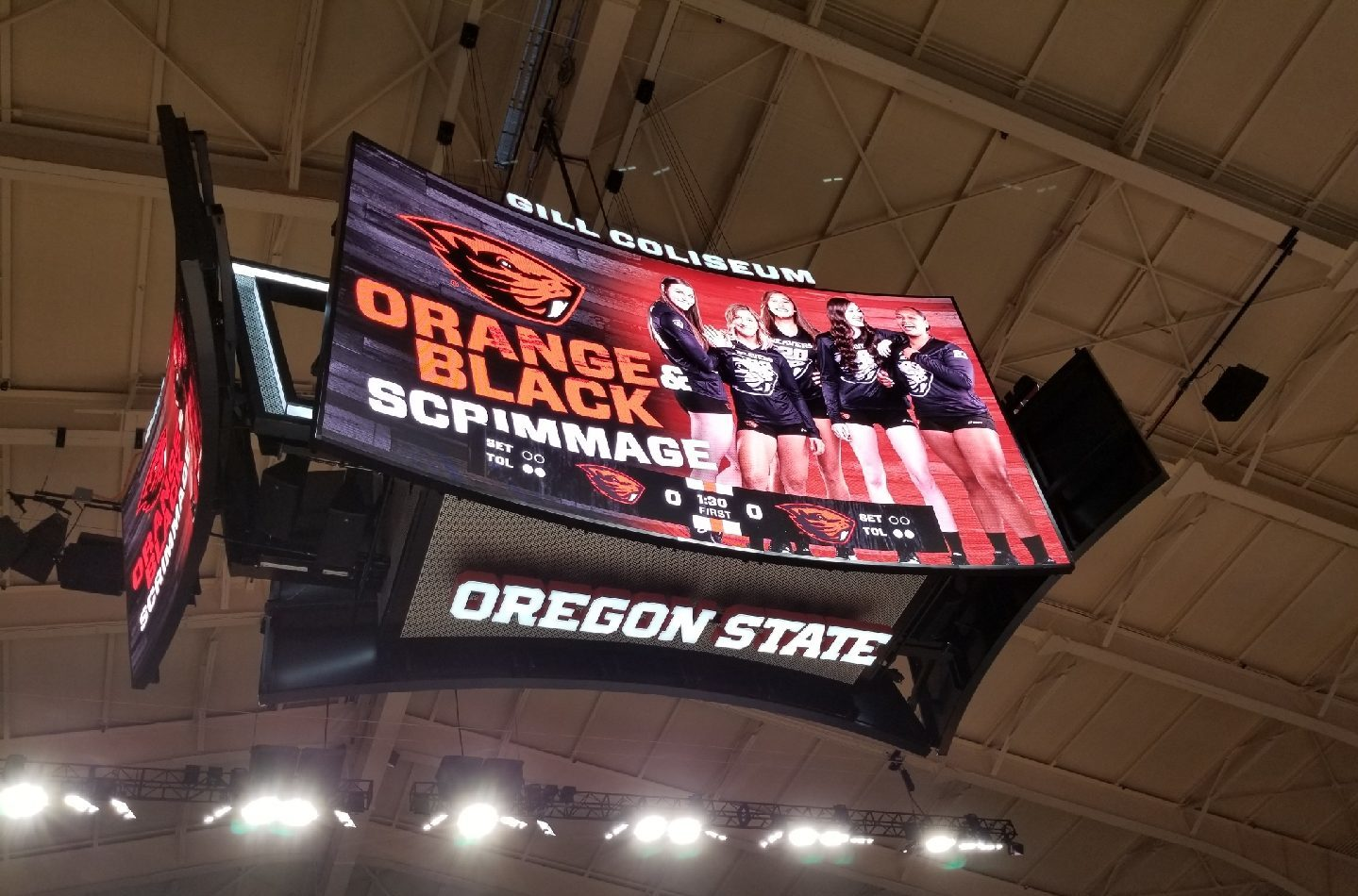 Oregon State, Gill Coliseum, the gill, College Sports, collegiate sports, basketball, led display, videoboard, video board, scoreboard, center hung, centerhung, center-hung, NCAA, beavers, men's basketball, intercollegiate, Pac-12 conference, AV Consultant, A/V consultant